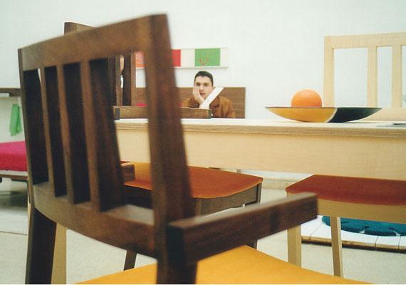 SOLID asztal 4 székkel